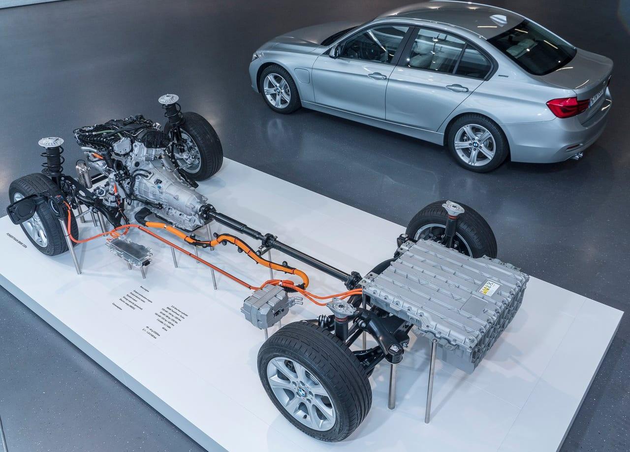 BMW 330e Powertrain