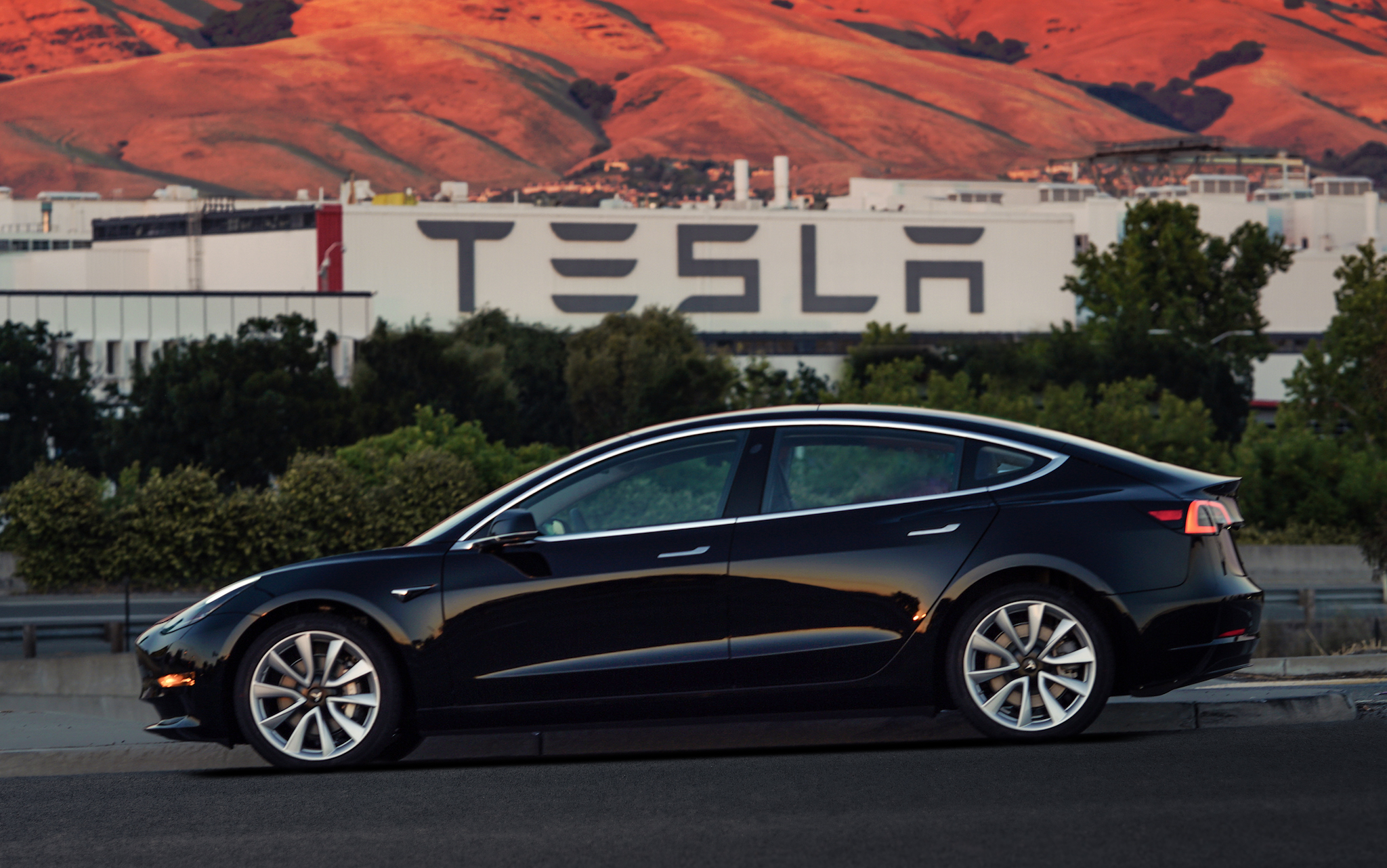 Tesla S Most Affordable Electric Car Gives You A Range Of 310 Miles When Opt For The Long Model And 264 If Go