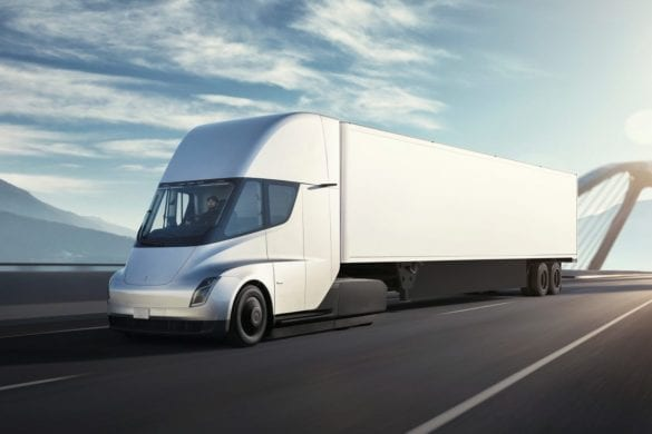 Daimler Delivers First Freightliner Electric Truck