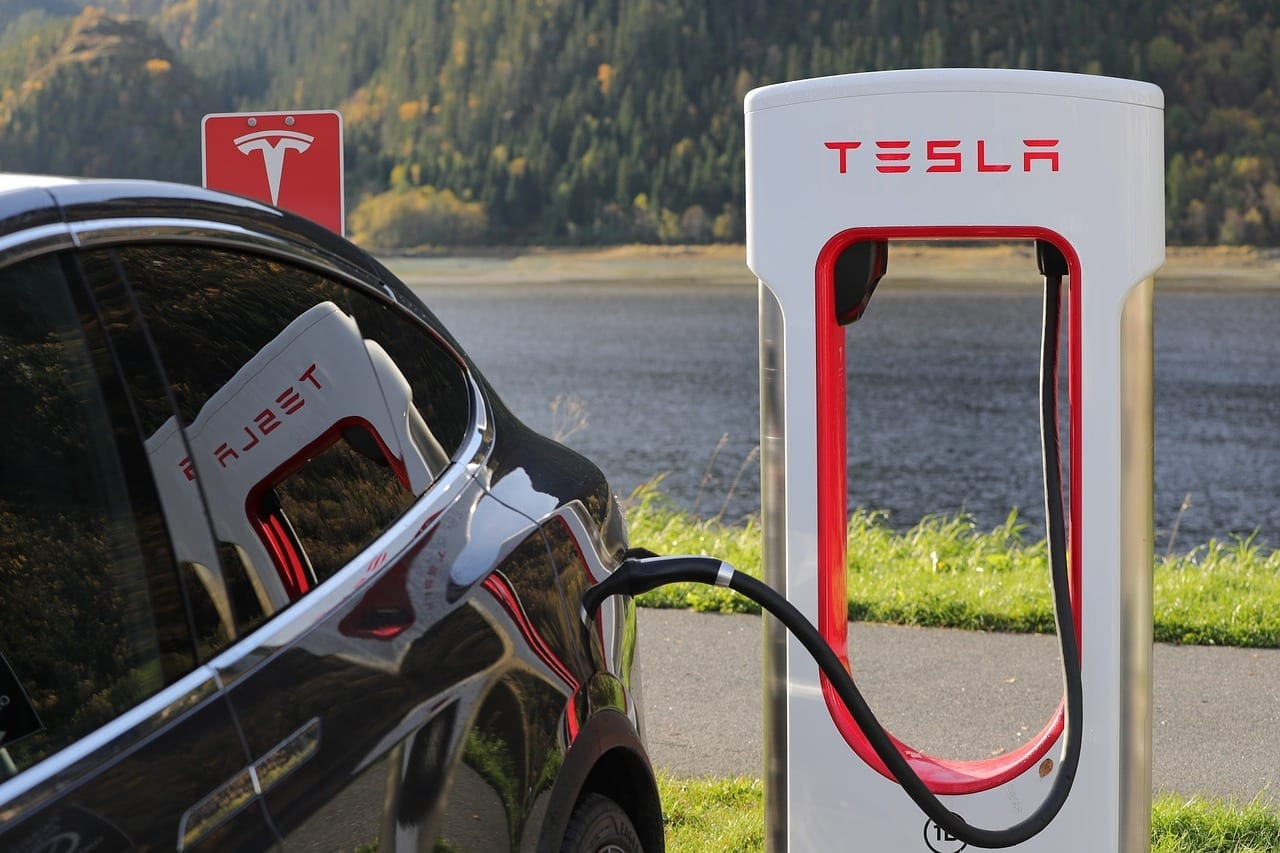 Tesla Supercharger V3 Debuts: 250 kW Charge, No Charge