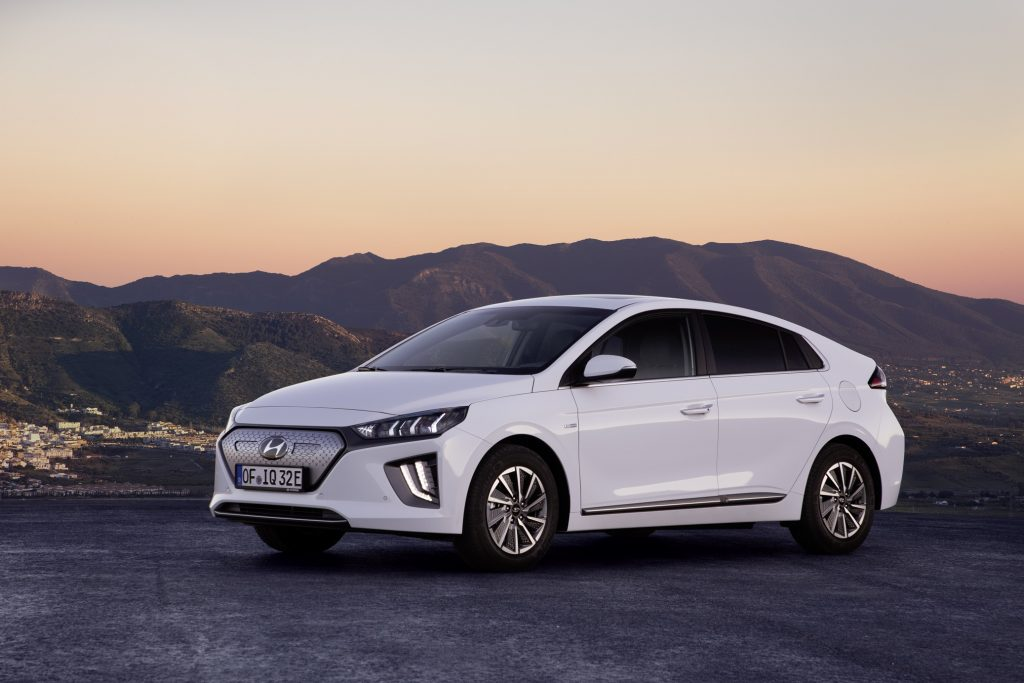2020 hyundai ioniq electric gets larger battery 182 mile