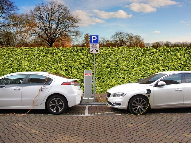 electric cars better than conventional vehicles recharging