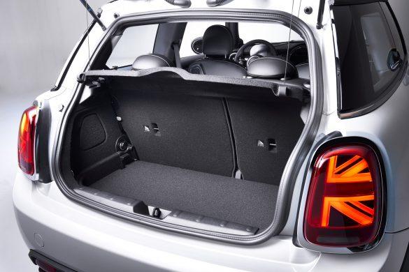 BMW Reveals a Rather Lackluster Electric MINI – MINI Cooper SE